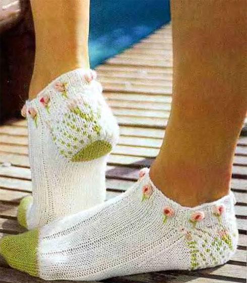 Короткие носки с розочками,